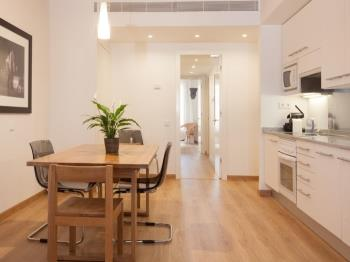 Charming apartment next to Plaza Catalunya! 5 2 - Apartment in Barcelona