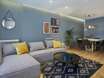 Exclusive Central 4 Bedroom, 2 Bath, Terrace, AC - Apartment in Barcelona