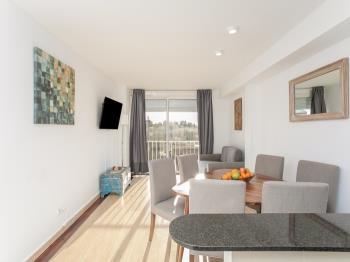 Stylish flat in Rambla Catalunya - Apartment in Barcelona