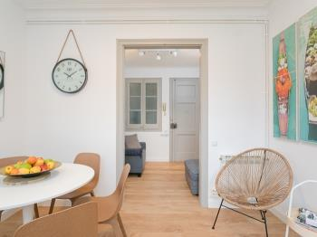 Cozy Renovated Flat / Sagrada Familia, Gracia - Apartment in Barcelona