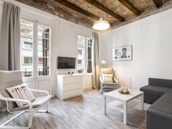 Nice, cozy comfy apartment near Passeig de Gracia - Appartement à Barcelona