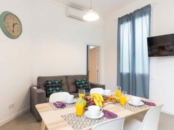 Cozy, Central and Comfy apartment MIN 32 NIGHTS! - Apartment in Barcelona