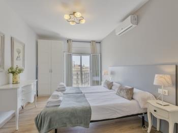 PLAZA CATALUNYA DELUXE!!! - Apartment in Barcelona