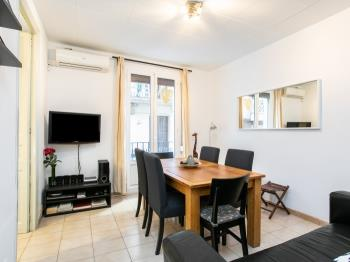 Bright apartment perfect for families in Gracia!!! - Apartamento en Barcelona