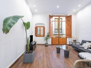 Superb 3BR Apartment in the Heart of Barcelona - Apartamento en Barcelona